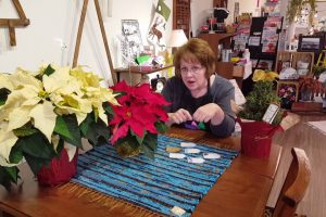 Pointsettias and Make Your Own Christmas Gift Tags!